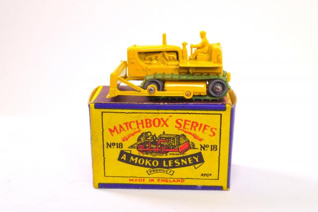 Picture Gallery for Matchbox 18b Caterpillar Bulldozer