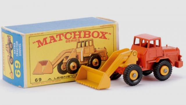 Picture Gallery for Matchbox 69b Hatra Tractor Shovel