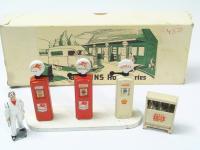 Picture Gallery for Britains 104v Garage Set