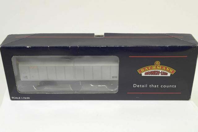Picture Gallery for Bachmann 33-275 VGA Sliding Wall Van