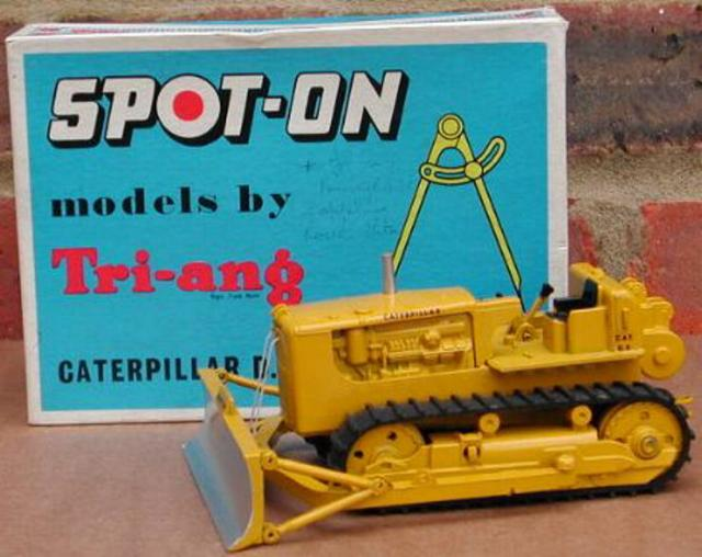 Picture Gallery for Spot-On 116 Caterpillar D9 Tractor