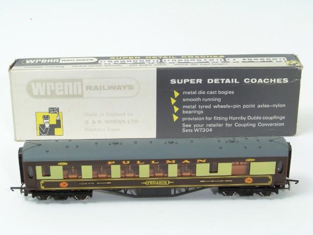 Picture Gallery for Wrenn W6012 Pullman Coach