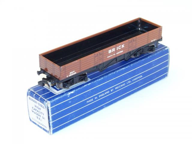 Picture Gallery for Hornby Dublo D1-32050 Brick Wagon