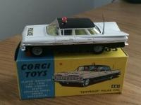 Corgi #481 - Chevrolet police car - Black/White (Cast Hubs)