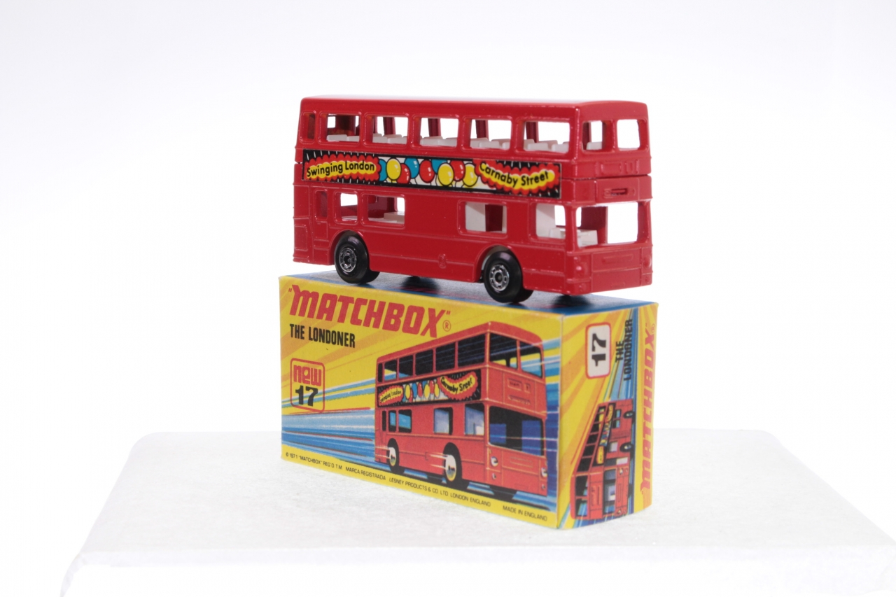 Matchbox #17f - Londoner Bus - Swinging London