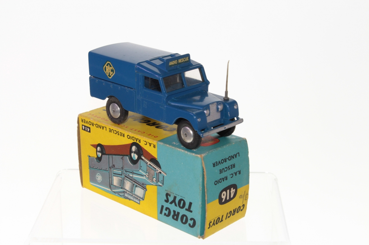 Picture Gallery for Corgi 416 Land Rover