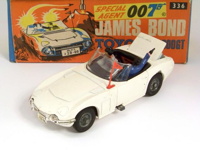 Picture Gallery for Corgi 336 Bond Toyota 2000