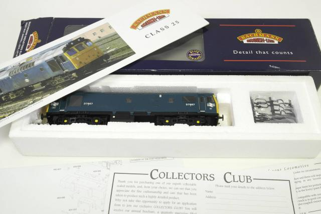 Picture Gallery for Bachmann 32-404 Diesel Loco RN D7667
