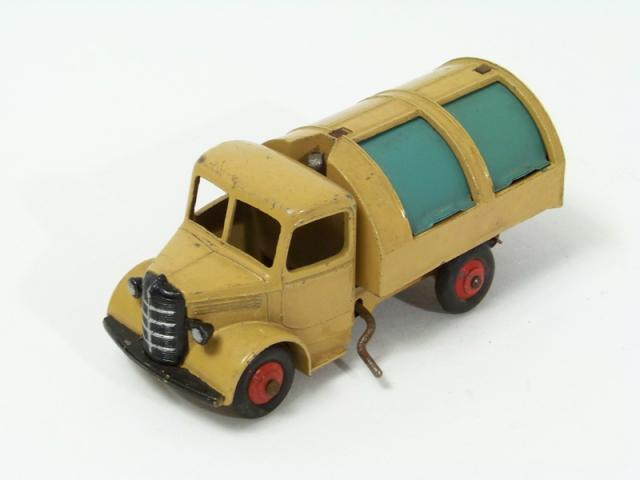 Picture Gallery for Dinky 25v Bedford Refuse Wagon