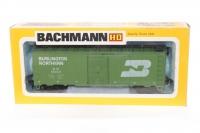 Bachmann #0916 - Steel Box Car - Burlington Northern - Green