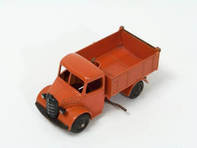 Picture Gallery for Dinky 25m Bedford Tipper