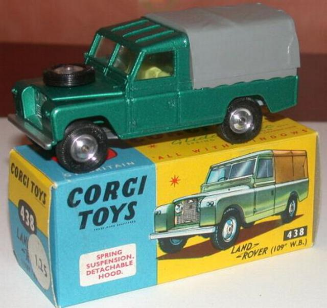 Picture Gallery for Corgi 438 Land Rover