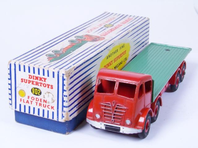 Picture Gallery for Dinky 902 Foden Flat Truck