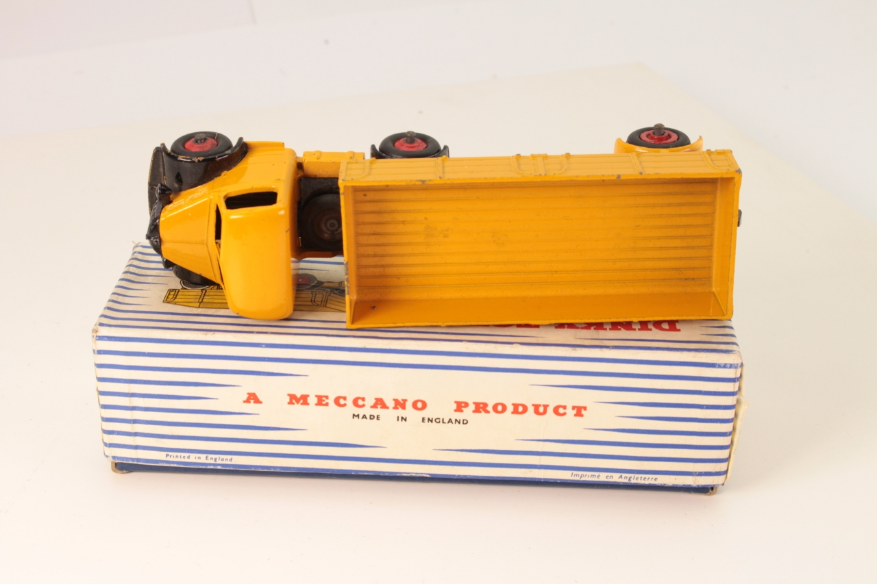 Dinky #921 - Bedford Articulated Lorry - Yellow