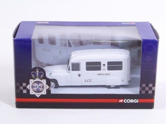 Picture Gallery for Corgi CC06305 Daimler Ambulance