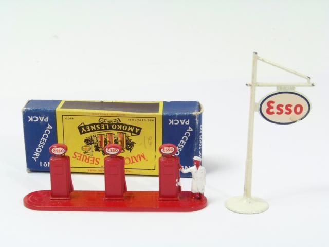 Picture Gallery for Matchbox A1 Fuel Pumps