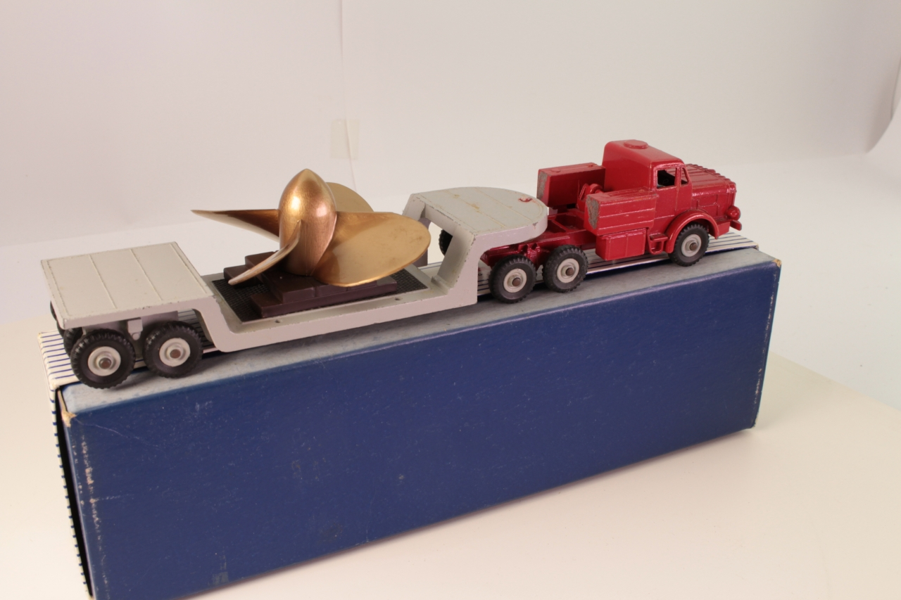 Dinky #986 - Antar Low Loader With Propeller - Red/Grey