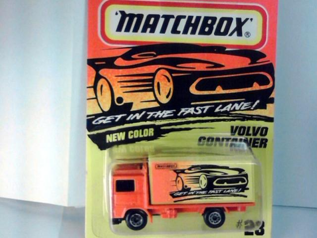 MATCHBOX 1996 #23 VOLVO CONTAINER TRUCK