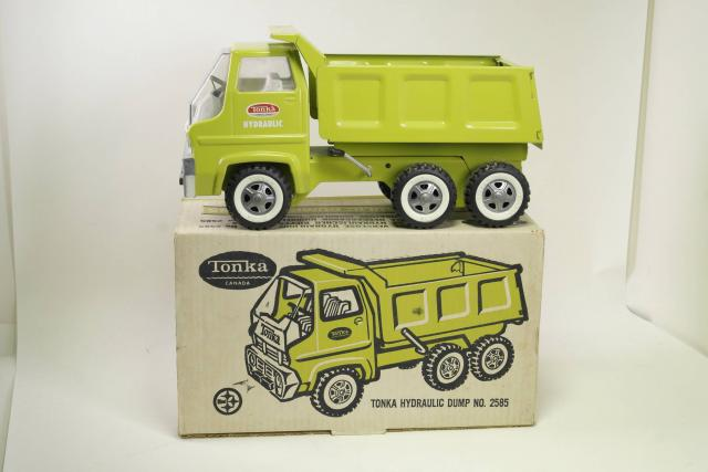 Picture Gallery for Tonka 2585 Dumper Truck