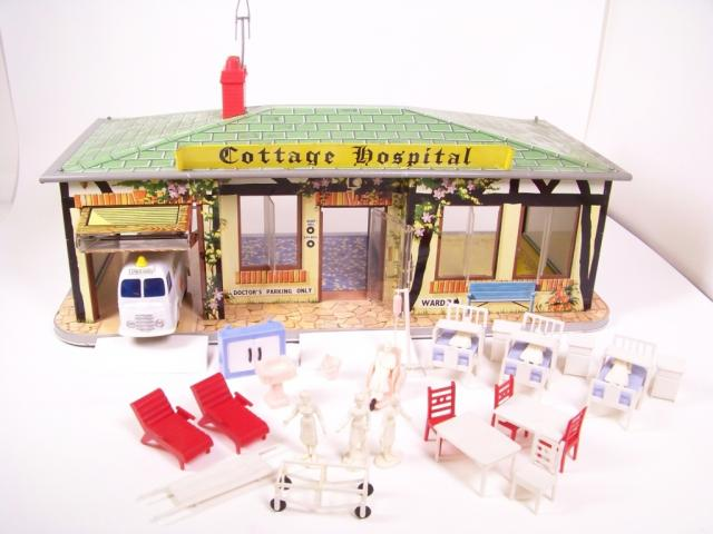 Picture Gallery for Mettoy 6307 Cottage Hospital