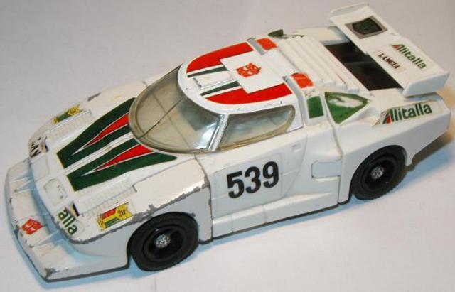Picture Gallery for Transformers 3 Wheeljack