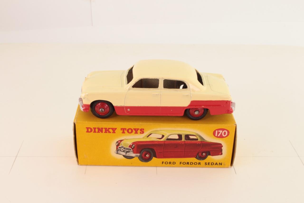 Dinky #170 - Ford Fordor Sedan - Red/White