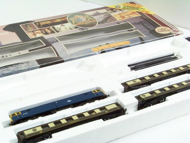 Picture Gallery for Hornby R558 Orient Express Set