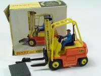 Conveyancer Fork Lift Truck