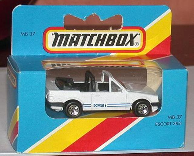 Picture Gallery for Matchbox 37g Ford Escort Cabriolet XR3i