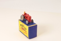 Matchbox #4a - Massey Harris Tractor - Red (With Mud Guards)