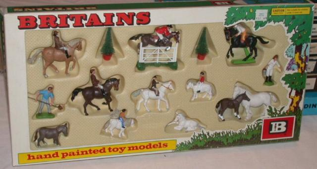 Picture Gallery for Britains Farm 7175 Riding School Set