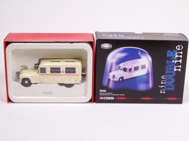 Picture Gallery for Corgi CC06301 Daimler Ambulance