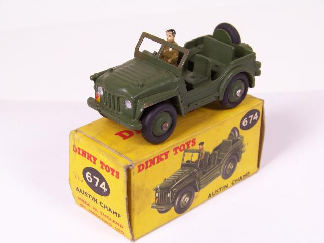 Picture Gallery for Dinky 674 Austin Champ