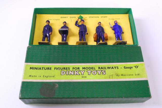 Picture Gallery for Dinky 1 Station Staff Set