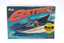 Picture Gallery for Polar Lights POL823 Batboat Kit with Stand and Figures