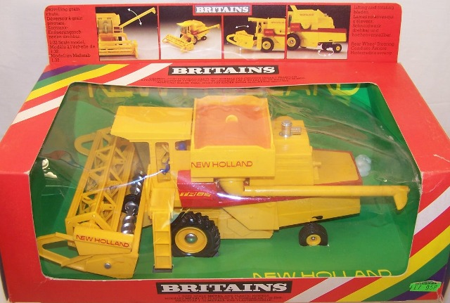 Picture Gallery for Britains Farm 9575 New Holland TR85 Combine Harvester