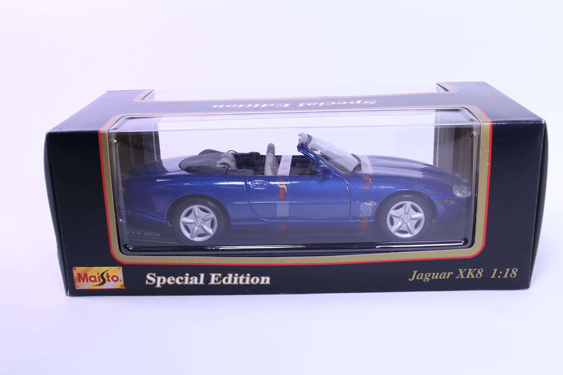Picture Gallery for Maisto 31836 1996 Jaguar XK8