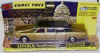 Corgi #262 - Lincoln Continental - Gold/Black
