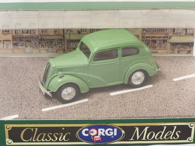 Picture Gallery for Corgi D701 Ford Popular Saloon