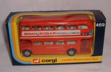 Picture Gallery for Corgi 469 Transport Routemaster bus
