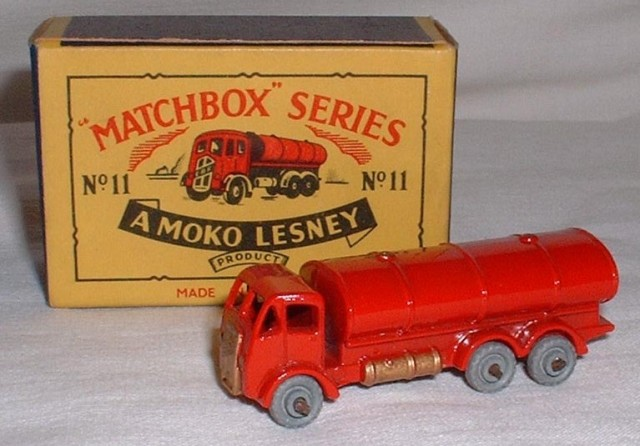 Picture Gallery for Matchbox 11a E.R.F Road Tanker