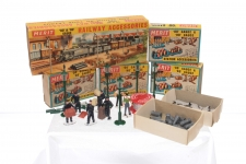 Picture Gallery for Merit 99999 Railway/Station Accessories