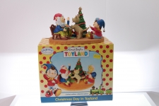 Picture Gallery for Elgate 14144 Christmas Day in Toyland Diorama