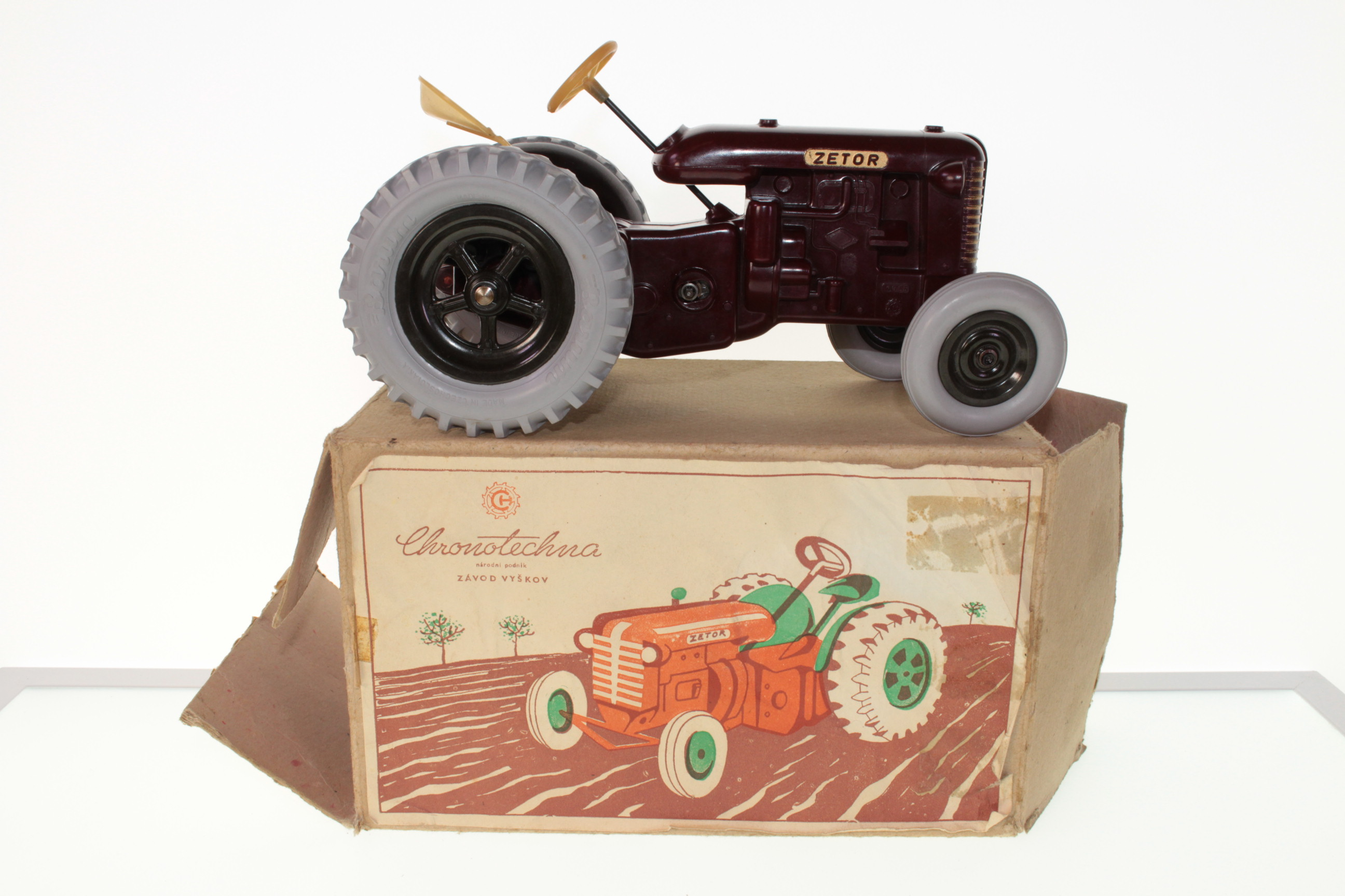 Picture Gallery for Chronotechna 137756 Zetor Clockwork Tractor
