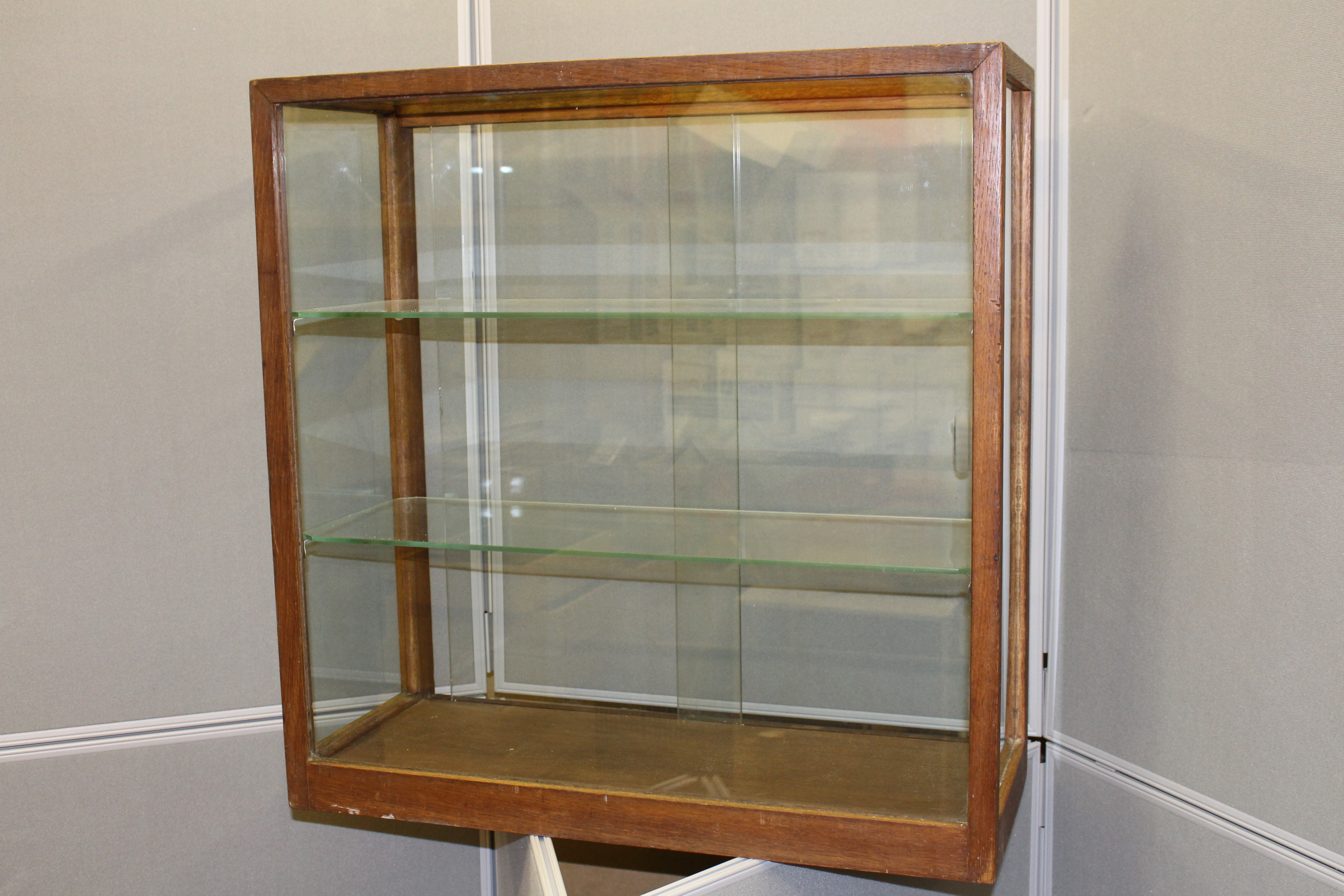 Picture Gallery for Cabinet 9902 Display Cabinet