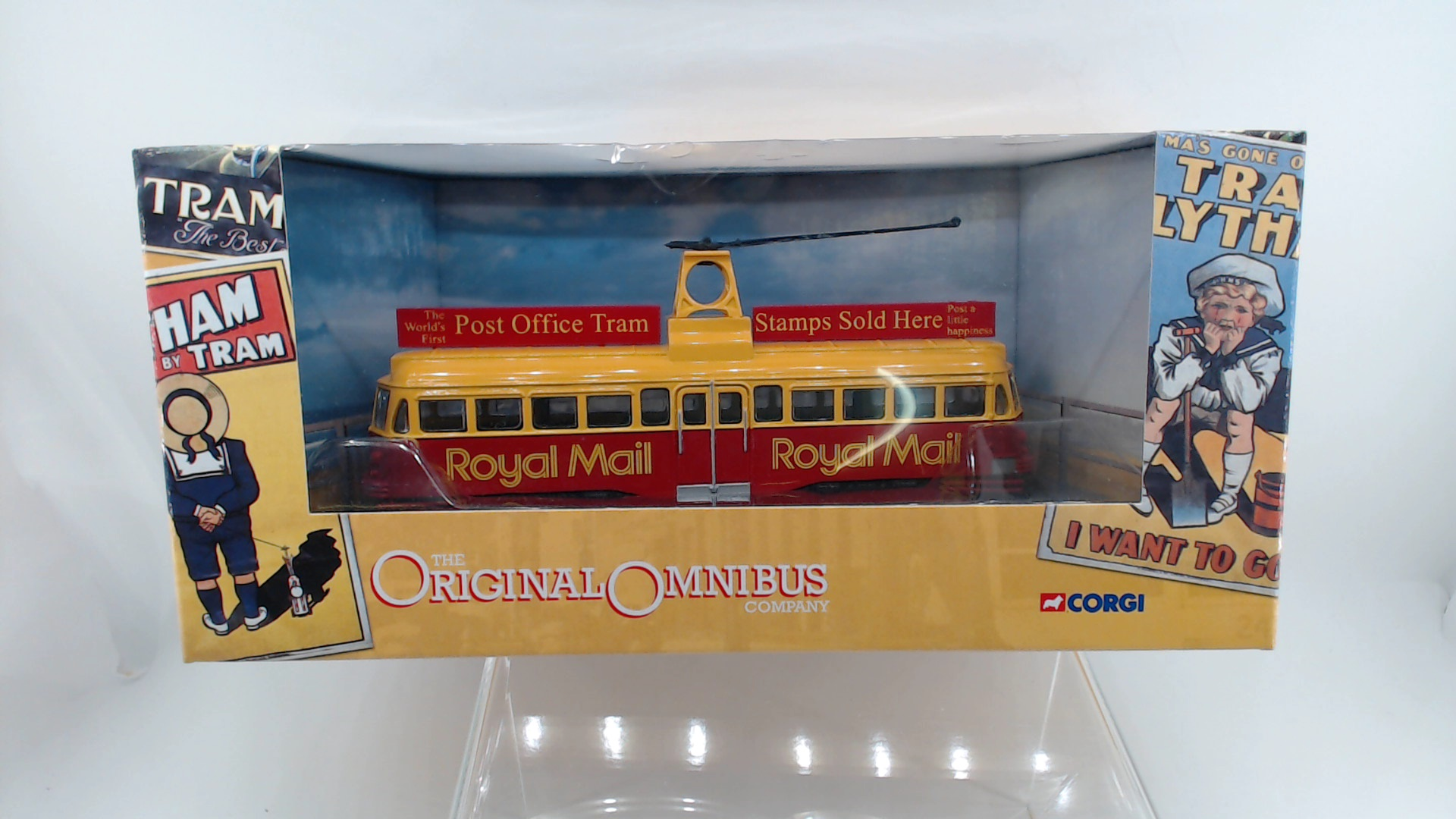 Picture Gallery for Corgi OM44006 Blackpool Brush Railcoach