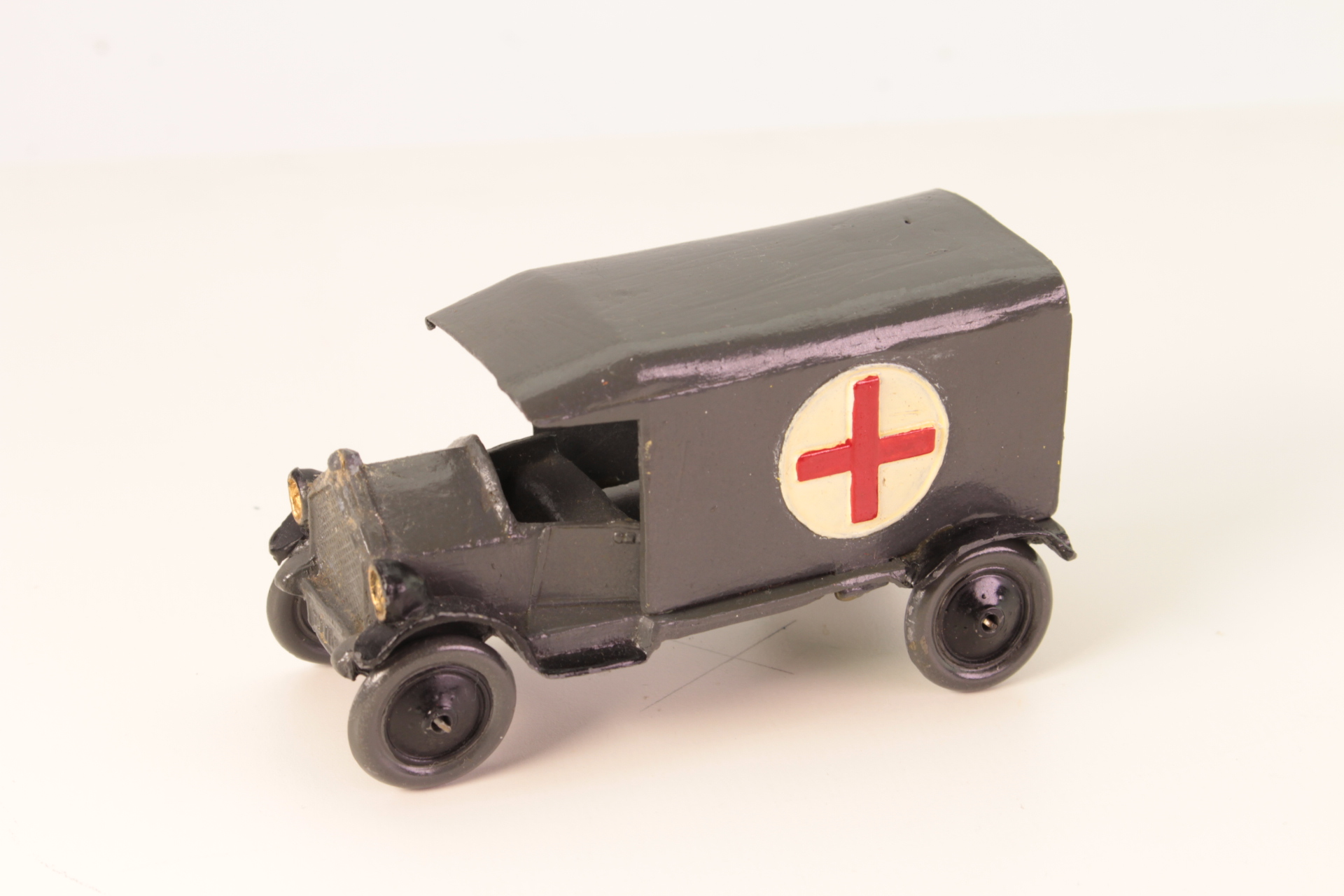 Picture Gallery for Taylor and Barrett 001 Ambulance