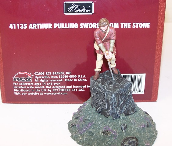 Britains Soldiers 41135, Arthur Pulling Sword From Stone