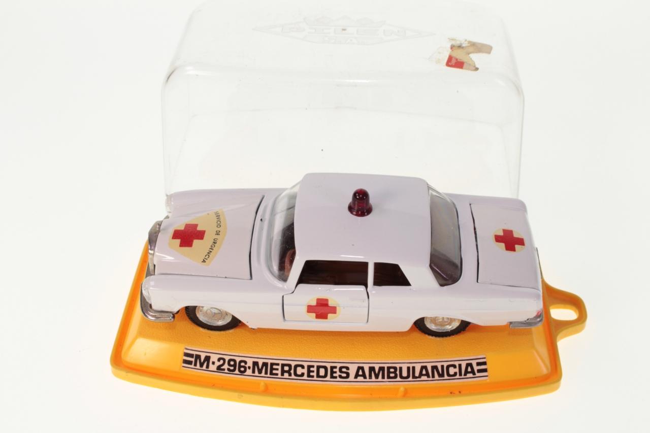 Pilen  M296 - Mercedes Ambulancia - White - A+ A