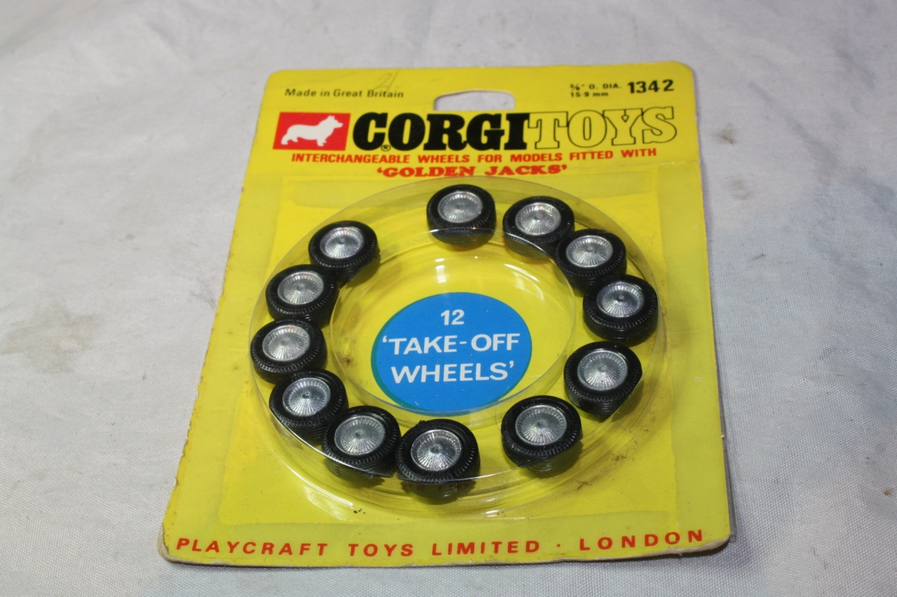 Picture Gallery for Corgi 1342 12 Take Off Wheels
